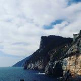 Montanha e mar de ITÁLIA combinados Fotografia de Stock