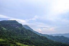 Montanha e na maior parte nuvens verdes, kho Phetchabun de Khao imagens de stock