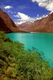 Montanha e paisagem da lagoa fotos de stock