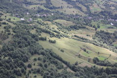 Montanha e paisagem da vila Imagem de Stock Royalty Free