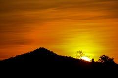montanha e por do sol Fotografia de Stock