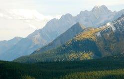 Montanha em Montanhas Rochosas fotos de stock royalty free