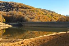 A montanha está tomando a cor durante o outono Fotografia de Stock