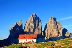 Montanha famosa bonita Tre Cime di Lavaredo, dolomites, Itália imagem de stock