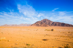 Montanha grande no deserto imagem de stock
