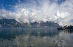 Montanha, lago, nuvens Imagem de Stock