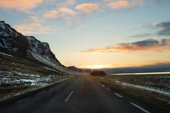 Montanha longa da rua em Islândia Fotografia de Stock Royalty Free
