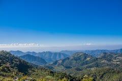 Montanha no céu azul Foto de Stock Royalty Free