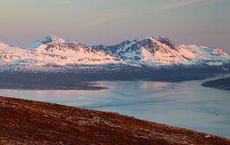 Montanha no inverno em Noruega, Tromso Imagem de Stock