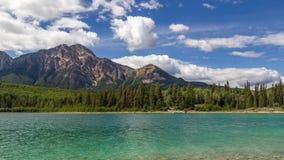 Montanha Patricia Lake Jasper National Park Alberta da pirâmide, Canadá fotos de stock