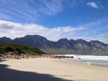 Montanha pelo mar Foto de Stock Royalty Free