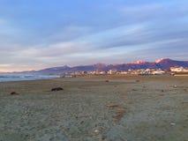 Montanha pelo mar Imagem de Stock Royalty Free
