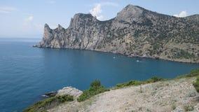 Montanha pelo mar crimeia Luz nova fotos de stock