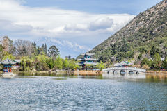 Montanha preta de Dragon Pool Jade Dragon Snow em Lijiang, Yunnan, China imagem de stock royalty free