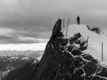 Montanha que olha Imagens de Stock