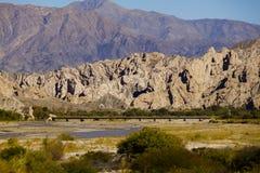 Montanha, rio e brigde Imagem de Stock