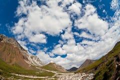 Montanha River Valley Foto de Stock Royalty Free