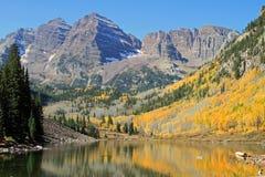 Montanha rochosa elevada Imagens de Stock