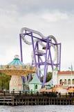 Montanha russa no parque de diversões fotografia de stock royalty free