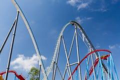 Montanha russa no parque temático de Entartainment do divertimento Imagem de Stock