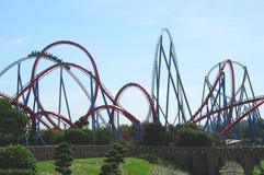 Montanha russa no porto Aventura do parque de diversões Imagem de Stock