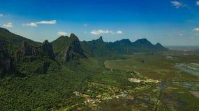 Montanha Sam Roi Yot, Tailândia Imagens de Stock Royalty Free