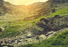 Montanha verde bonita imagem de stock