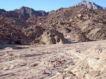 Montanha vermelha em Sinai. Imagens de Stock