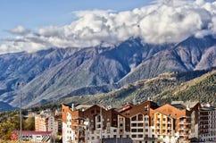 Montanhas acima da vila olímpica Fotografia de Stock Royalty Free