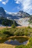 Montanhas alpinas altas Fotos de Stock
