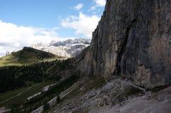 Montanhas altas e paredes íngremes nas dolomites Fotografia de Stock