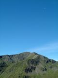 Montanhas & lua Fotos de Stock