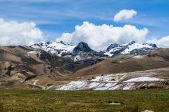 Montanhas andinas em Ámérica do Sul Fotografia de Stock Royalty Free