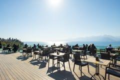 Montanhas Antalya do mar do ponto de vista da plataforma de observação fotografia de stock