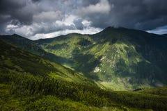 Montanhas antes da tempestade Imagem de Stock Royalty Free