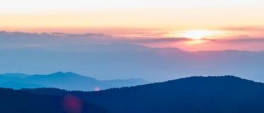 Montanhas azuis de Ridge Parkway Autumn Sunset Appalachian imagem de stock