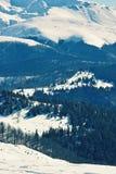 Montanhas cobertas na neve Imagem de Stock Royalty Free