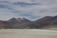 Montanhas coloridas no deserto do atakama do pimentão imagens de stock royalty free