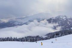 Montanhas com neve no inverno Ski Resort Laax Fotos de Stock Royalty Free