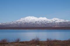 Montanhas com neve no parque nacional de Thingvellir, Islândia Imagem de Stock Royalty Free