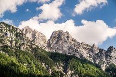 Montanhas com nuvens Foto de Stock Royalty Free