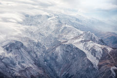 Montanhas com nuvens Imagens de Stock