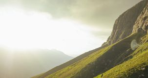 Montanhas crescentes em Jonkershoek video estoque