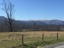 Montanhas da angra de Cades imagem de stock royalty free