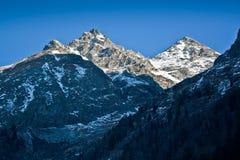 Montanhas da neve Fotos de Stock