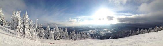 Montanhas da neve Fotografia de Stock Royalty Free