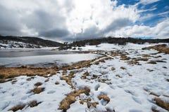 Montanhas da neve no parque nacional de Kosciuszko, Austrália Fotografia de Stock Royalty Free