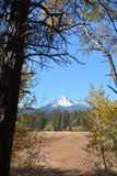Montanhas da queda imagens de stock royalty free