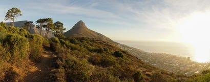 Montanhas da tabela de Cape Town em África do Sul imagem de stock royalty free
