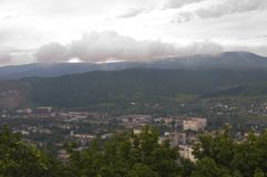 Montanhas da vila da imagem Imagem de Stock